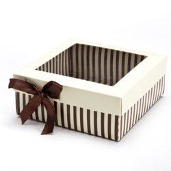 קופסה פסים חום לבן מרובעת עם מכסה לבן וסרט חום